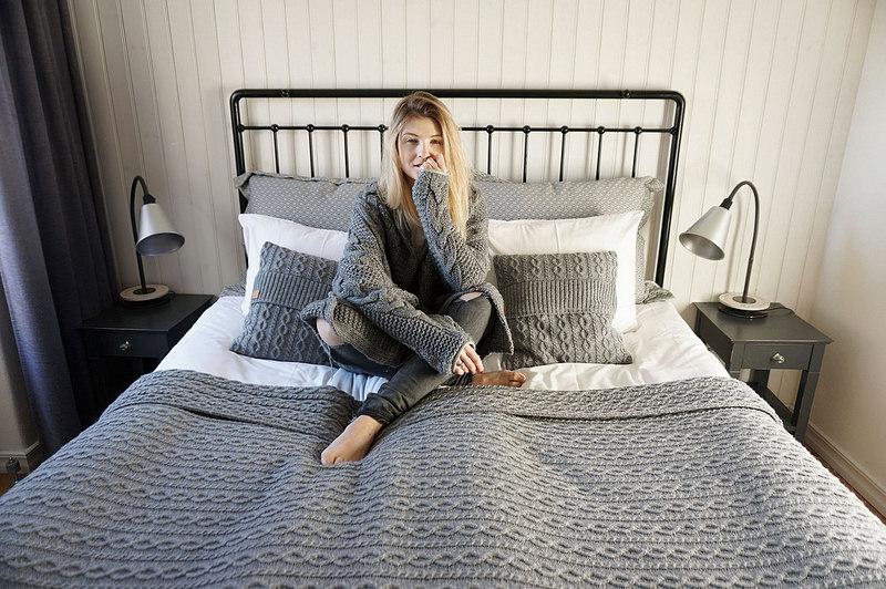 robi-agnes-knitwear-aljona-eesmaa