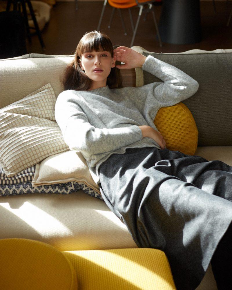 sweater-Robi-light-grey-Aimi