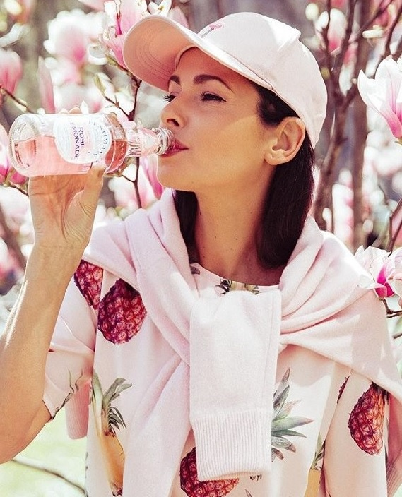 Agne-Jagelaviciute-jumper-Aimi-baby-pink