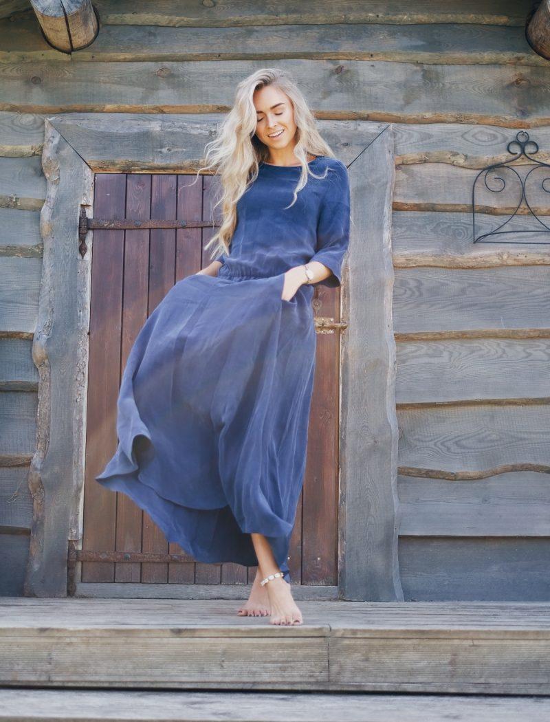 dress-Lili-dark-blue-Linda-Ling