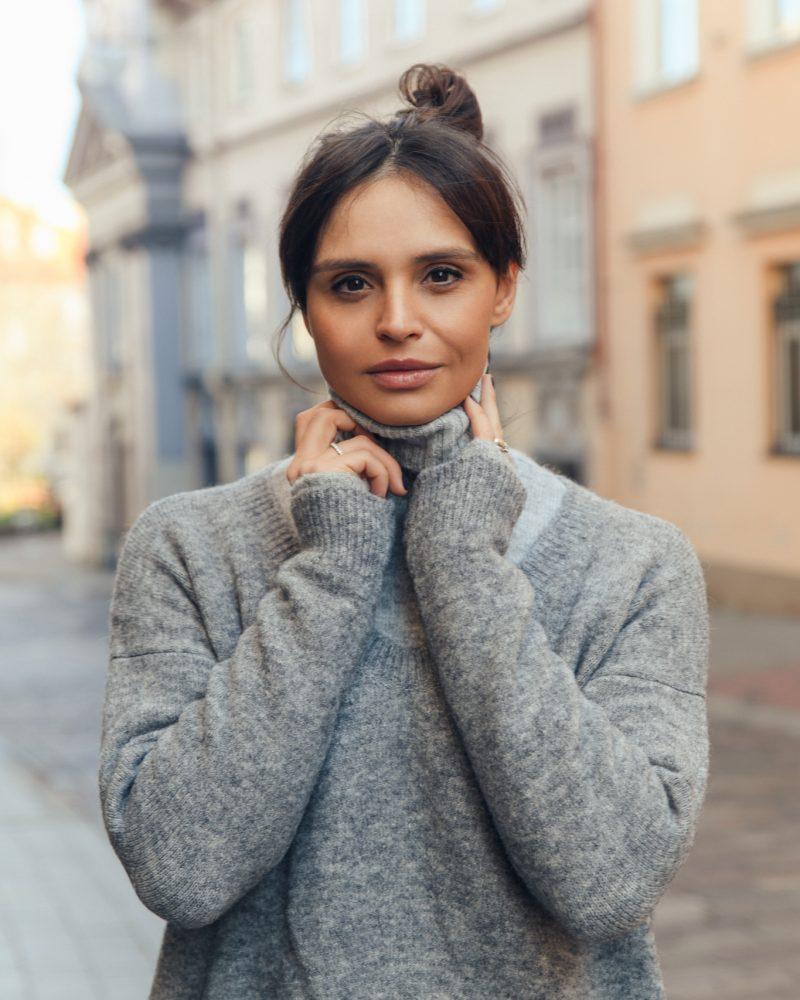 Ieva-Mackeviciene-Anna-grey