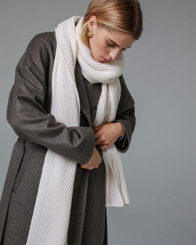 scarf-Noe-milk-white-sample3
