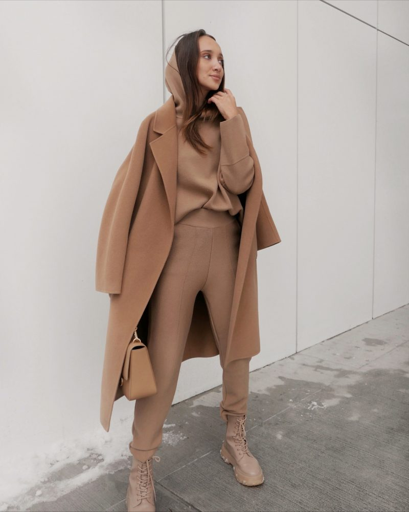 suit-Olivia-light-camel-brown-Gabriele1